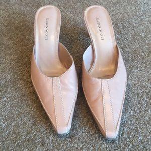 Karen Scott blush leather heels